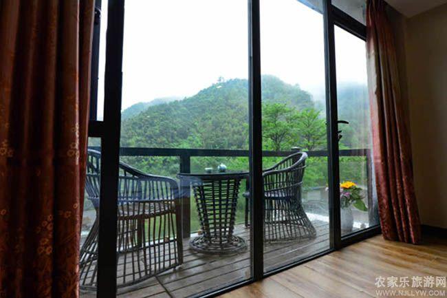 窗台的景色